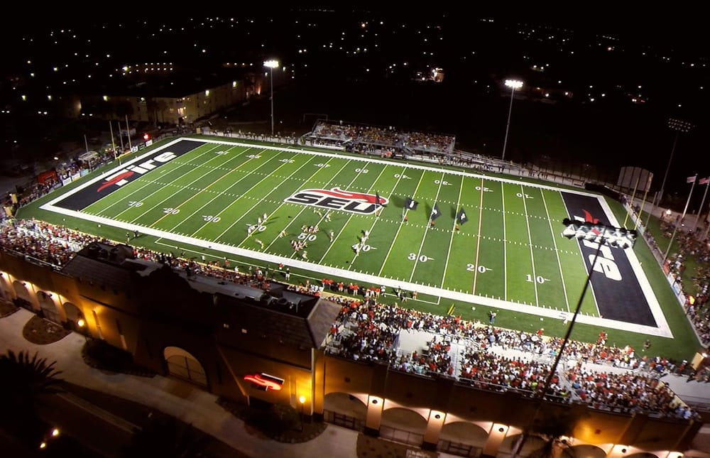 Southeastern University's 83,363 s.f. A-Turf® Titan multi-sport field was installed in 2014.